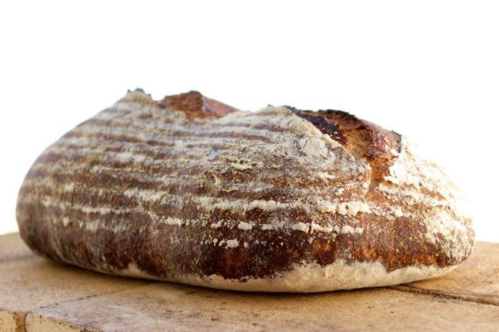 Pães Rústicos com Fermentação Natural ( 20 hs )