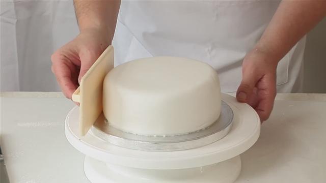 Técnica de Pasta Americana para Bolos ( 24 hs )